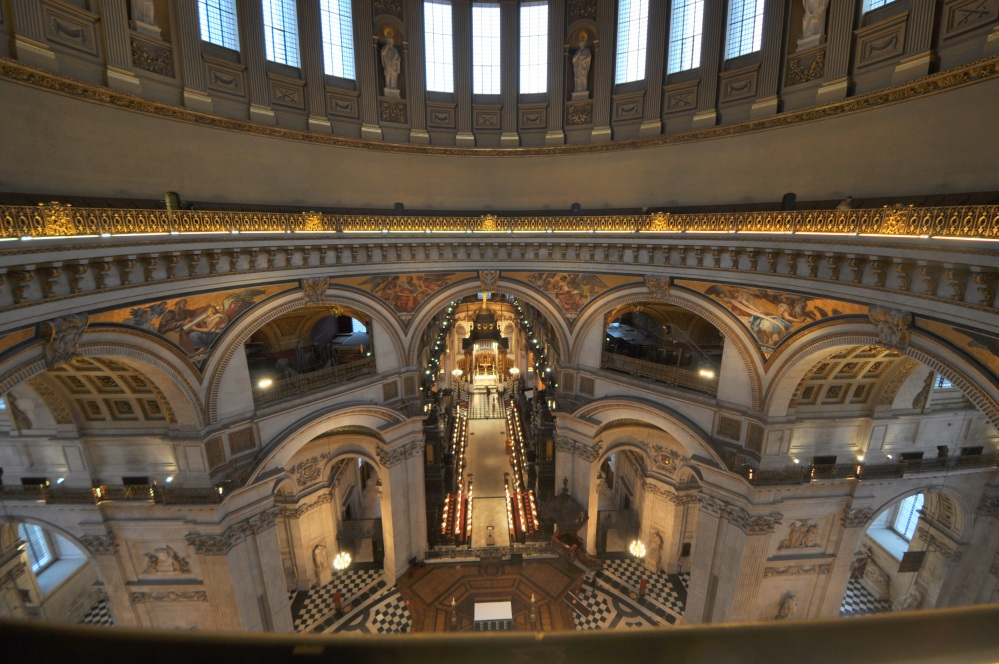A famosa catedral de San Paulo en Londres tamén posúe unha galería dos murmurios.