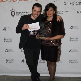 """Juan Galiñanes e Olga Osorio premiados á mellor curtametraxe por """"3-1=0""""."""