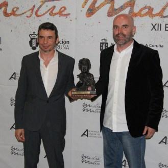 """Dous membros de Berrogüetto recolleron o premio á mellor música orixinal, por """"Inevitable""""."""