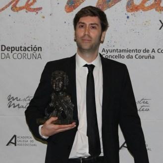 """Alejandro Marzoa recolleu dous premios, aquí ao mellor guión por """"Somos xente honrada""""."""