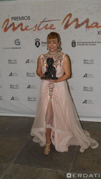 """Isabel Blanco esta vez cos seus preciosos pendentes, premiada á mellor interpretación feminina protagonista por """"Todos os santos""""."""